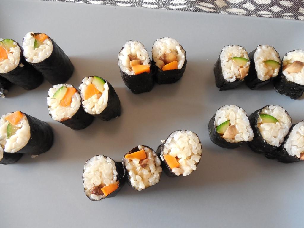 vegan sushi – maki con alga nori